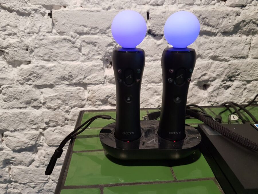 Move Controllers